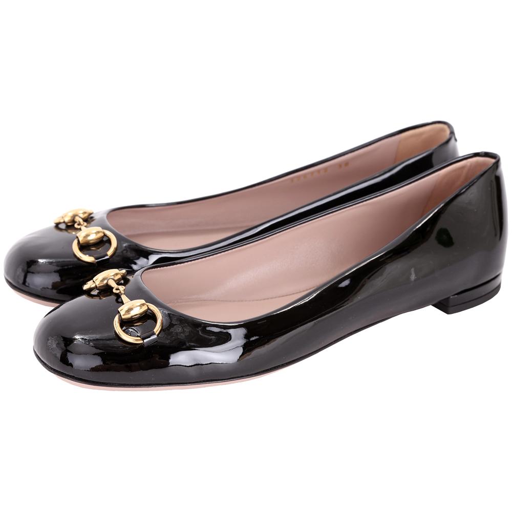 GUCCI Jolene 馬銜飾漆皮娃娃鞋(黑色)