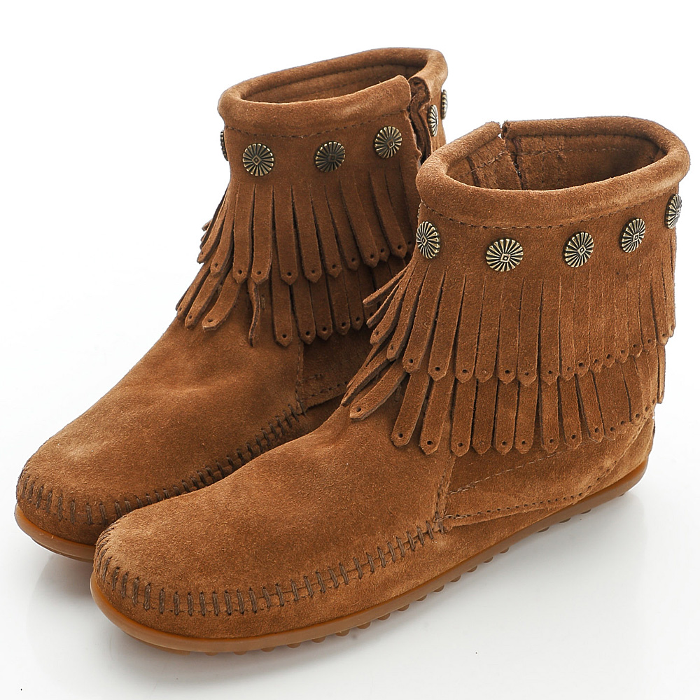 MINNETONKA 咖色純手工鉚釘二層流蘇短靴