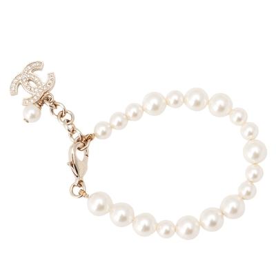 CHANEL 香奈兒 經典水鑽小香LOGO墜飾珍珠手鍊 (19cm)