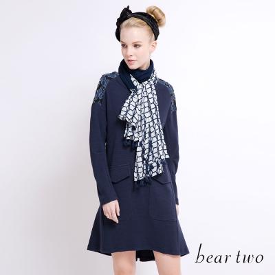 beartwo 蕾絲復古花朵拼布魚尾洋裝(深藍)-動態show