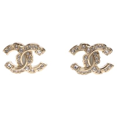 CHANEL 經典雙C LOGO大小圓鑽交叉排列方鑽鑲嵌穿式耳環(金)