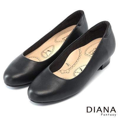 DIANA 漫步雲端布朗尼C款--輕彈舒適OL制鞋-黑