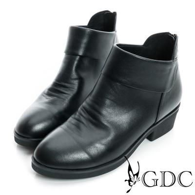 GDC個性-側V切口紳士拉鍊真皮短靴-黑色