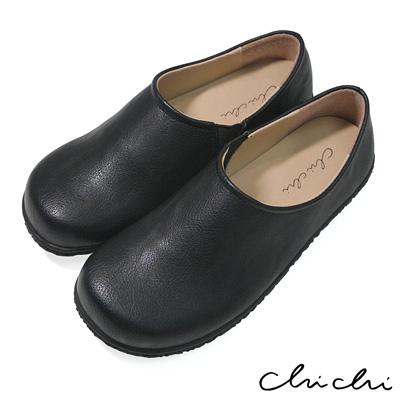 Chichi 舒適首選 素面側邊鬆緊休閒鞋*黑色