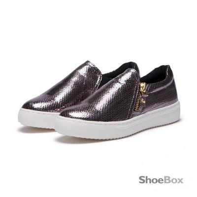 鞋櫃ShoeBox 懶人鞋-亮面蛇紋拉鍊休閒鞋1016404418-錫