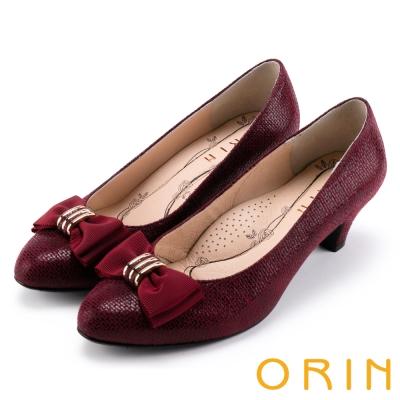 ORIN 魅力輕時尚 戒指釦環壓紋中跟鞋-酒紅