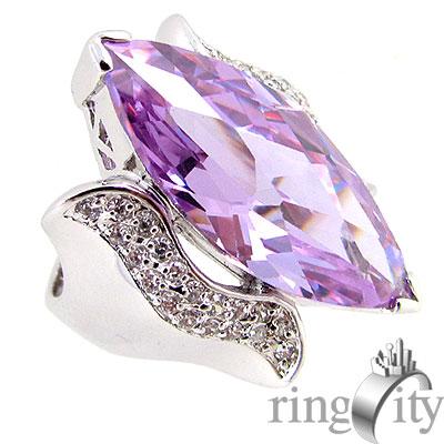 RingCity 粉紫晶鑽色菱型造型戒