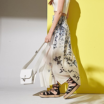 ICHE 衣哲 時尚都會100%絲製印花鬆緊百搭兩件式長裙-白