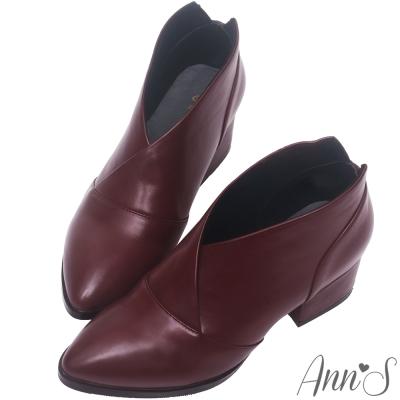 Ann'S焦糖蜜語-前交叉極致V低跟尖頭短靴-酒紅