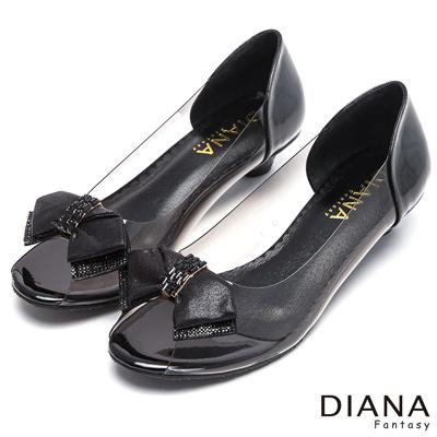 DIANA 低調魅力--微露性感緞面蝴蝶結亮鑽魚口鞋-黑