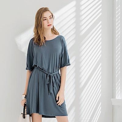 舒適彈性寬圓領垂墜感綁帶洋裝.2色-OB大尺碼