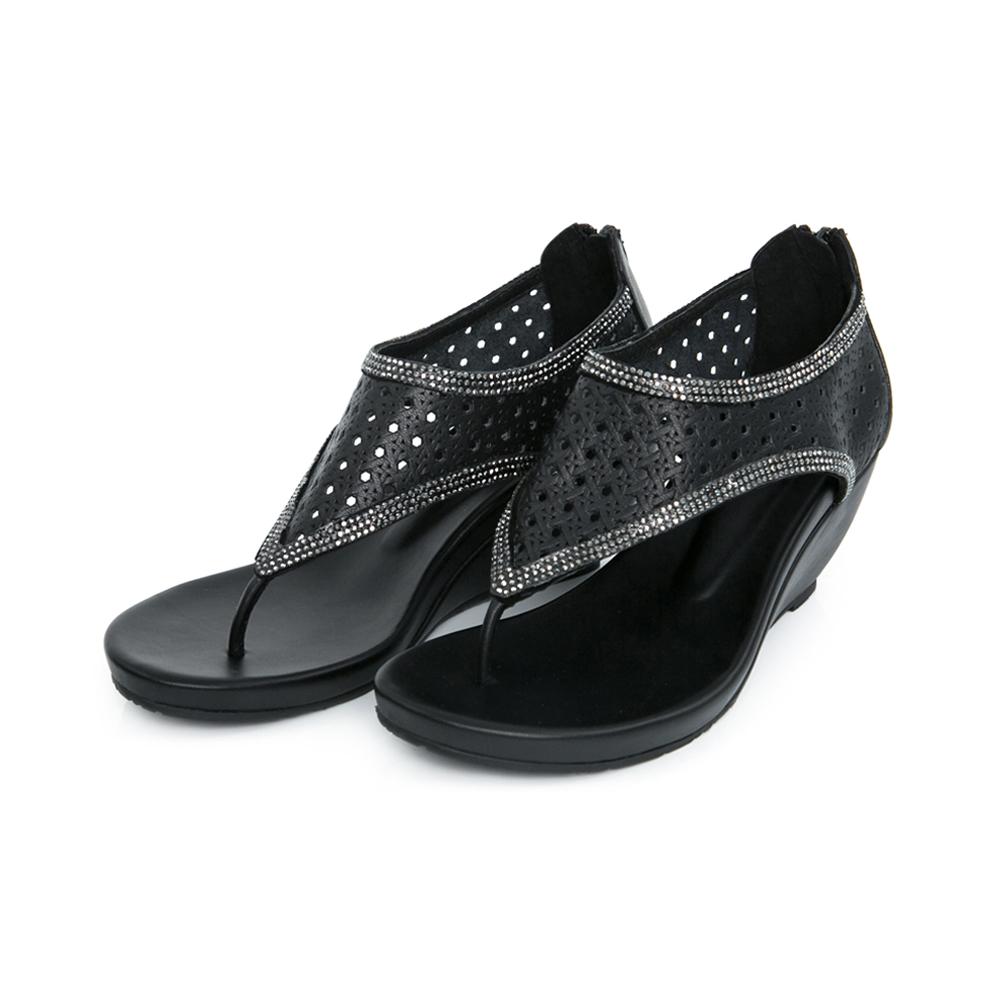 TAS 水鑽打洞牛皮T字楔型涼鞋-時尚黑
