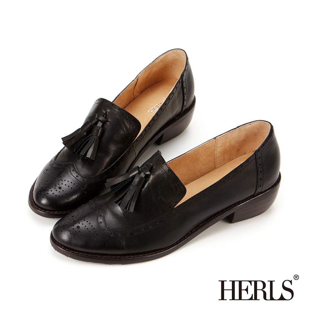 HERLS 全真皮雕花流蘇樂福低跟鞋-黑色