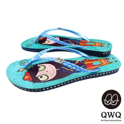 QWQ夾拖的創意(女) - 藝術塗鴨娃娃闖天下側鑽夾腳拖鞋 - 淺藍