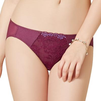 思薇爾 花苑系列M-XL蕾絲低腰三角內褲(埃及紅)