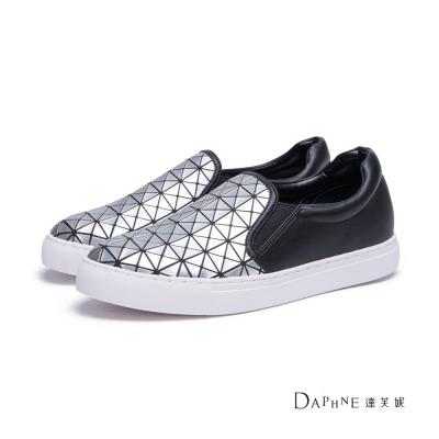 達芙妮DAPHNE-懶人鞋-幾何方格休閒鞋-銀8H