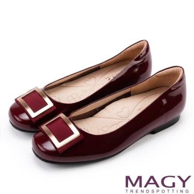 MAGY OL通勤專屬 金屬方釦點綴全真皮平底鞋-酒紅
