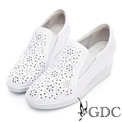 GDC-真皮櫻花雕飾素雅水鑽內增高休閒鞋-白色