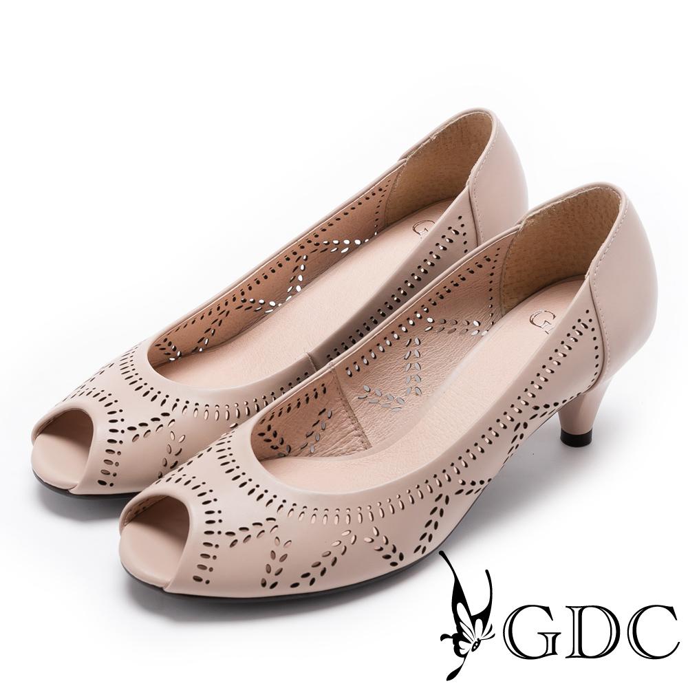 GDC-真皮雕花優雅縷空魚口鞋-粉膚色
