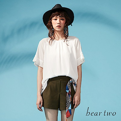 beartwo 菱紋透膚肩膀線條造型上衣(二色)