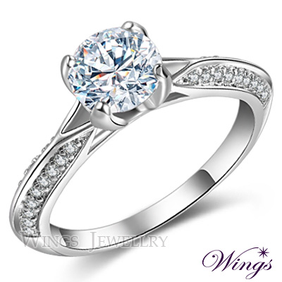 Wings 璀璨八心八箭一克拉擬真鑽 極美 進口方晶鋯石精鍍白K金美鑽戒指