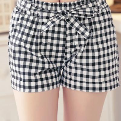 中大尺碼 黑白格紋腰鬆緊綁帶短褲-La Belleza