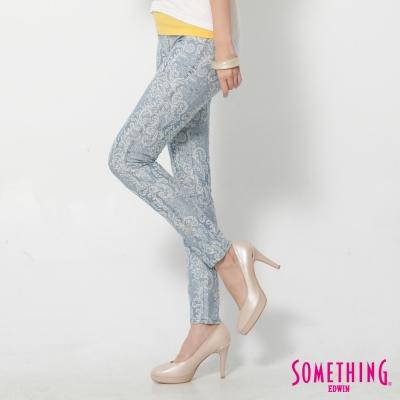 SOMETHING-LADIVA變形蟲合身牛仔褲-女-拔洗藍