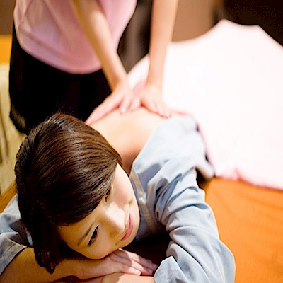 (台北)金樂足體養生會館 全身精油按摩+肩頸70分鐘(2張)