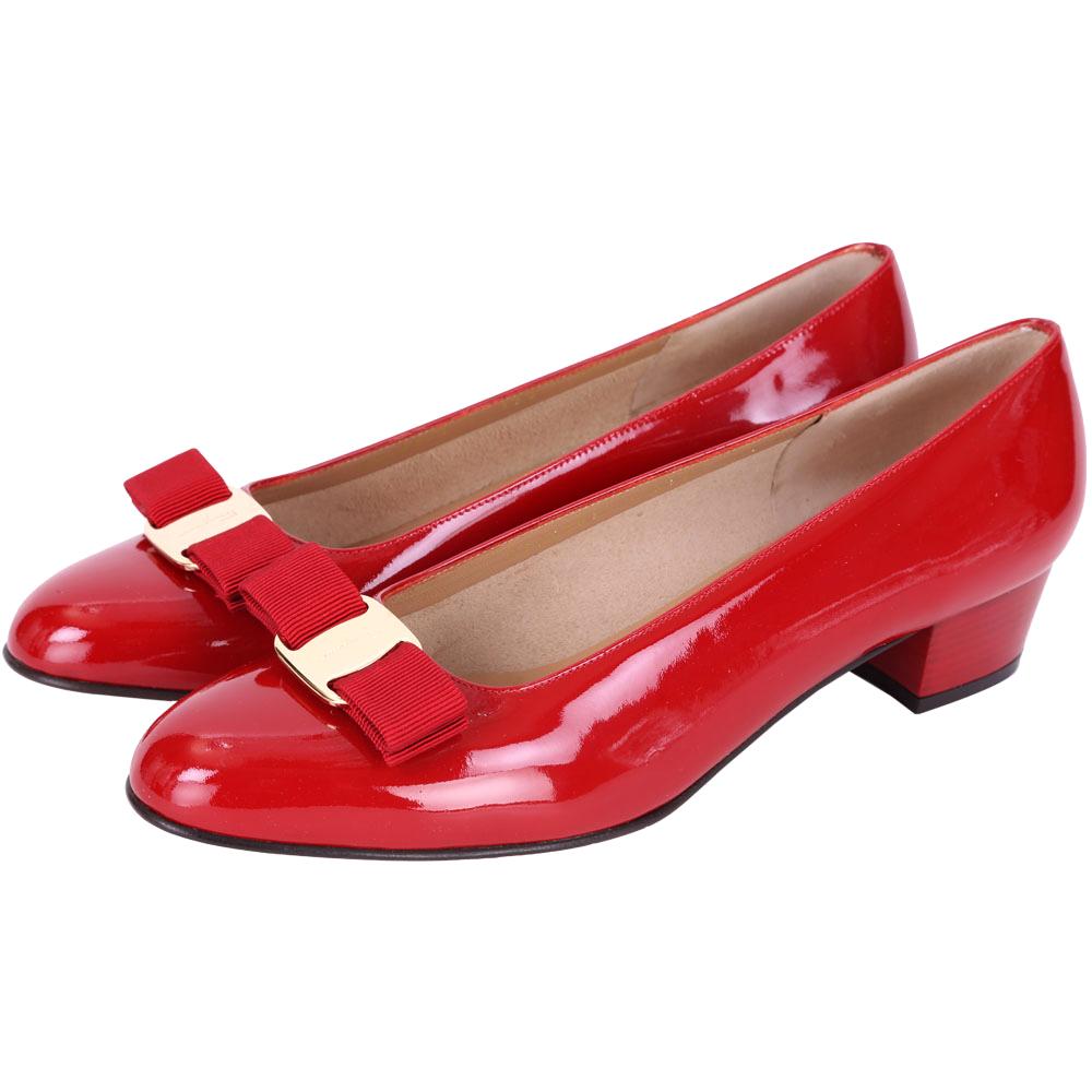 Salvatore Ferragamo VARA 蝴蝶結漆皮粗跟鞋(紅色)