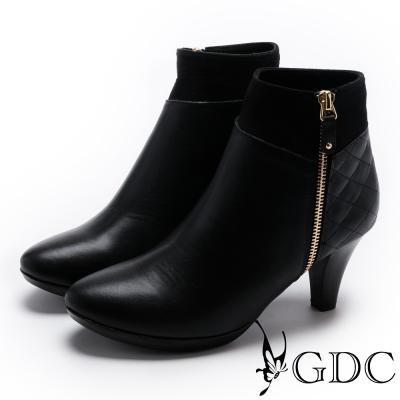 GDC-時尚必備全真皮側拉鍊踝靴-黑色