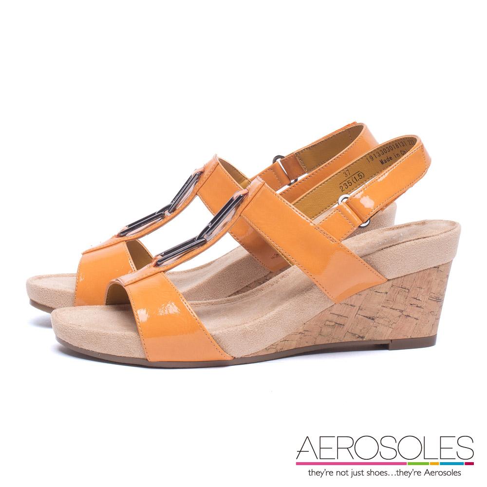 AEROSOLES 舒適百搭漆皮T型金屬釦環飾魔鬼氈楔型涼鞋~珊瑚橘