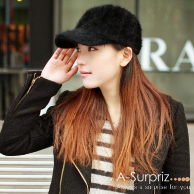 A-Surpriz 柔美純色混紡兔毛棒球帽(黑)
