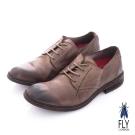 Fly London(男) 魔法師 牛皮圓楦自然擦痕皮鞋 - 懷舊黑