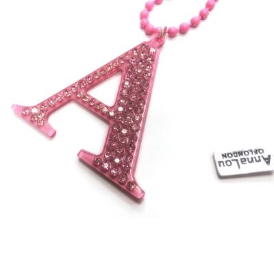 Anna Lou Of London 倫敦品牌 水晶字母項鍊 A 粉紅色