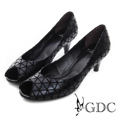 GDC都會-真皮三角幾何圖樣魚口中跟鞋-黑色