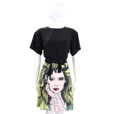 BOUTIQUE MOSCHINO 黑綠色彩繪圖案短袖洋裝