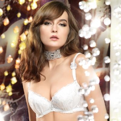 LADY 綺幻星辰系列 刺繡包覆大罩杯內衣 C-E罩(浮華白)