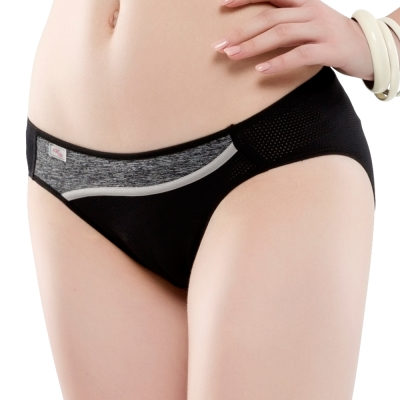 思薇爾 K.K.Fit系列M-XL素面低腰三角內褲(黑色)