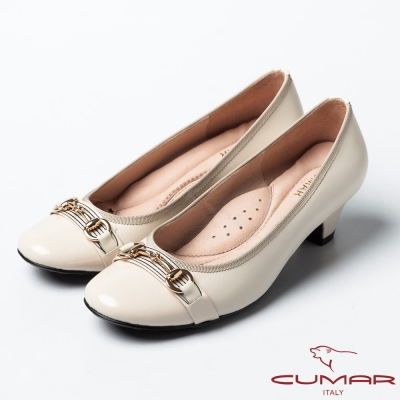 CUMAR經典甜美銜釦低跟羊皮娃娃鞋米