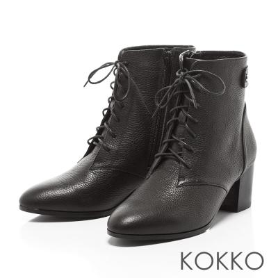 KOKKO-極致品味牛皮綁帶粗跟短靴-經典黑