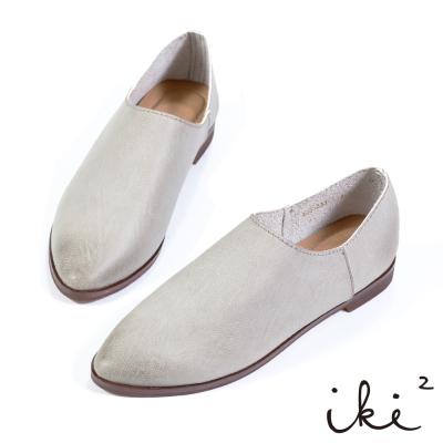 iki2 x A c chi chi 舒適親膚尖頭平底鞋-灰