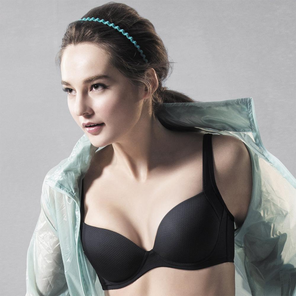 華歌爾 城市輕運動系列 D-E罩杯內衣 (能量黑)
