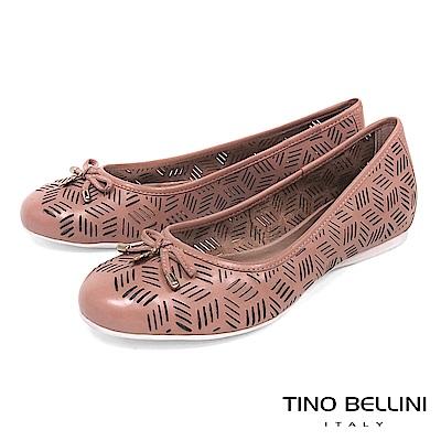 Tino Bellini 巴西進口線條皮雕鏤空娃娃鞋_ 粉