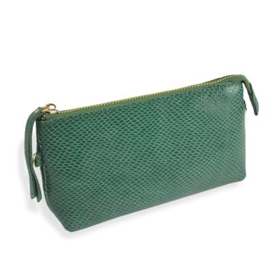 Dennibella 丹妮貝拉-時尚名媛-漆皮蛇紋手拿化妝包-綠