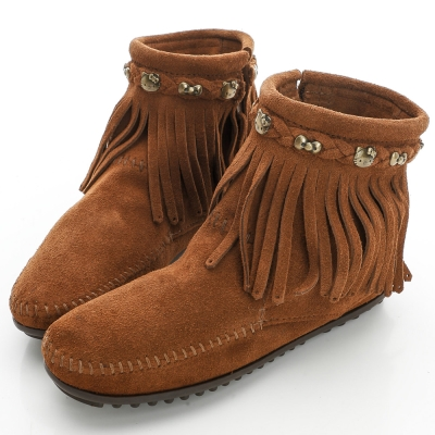 MINNETONKA KITTY聯名 棕色平底流蘇短靴 (展示品)