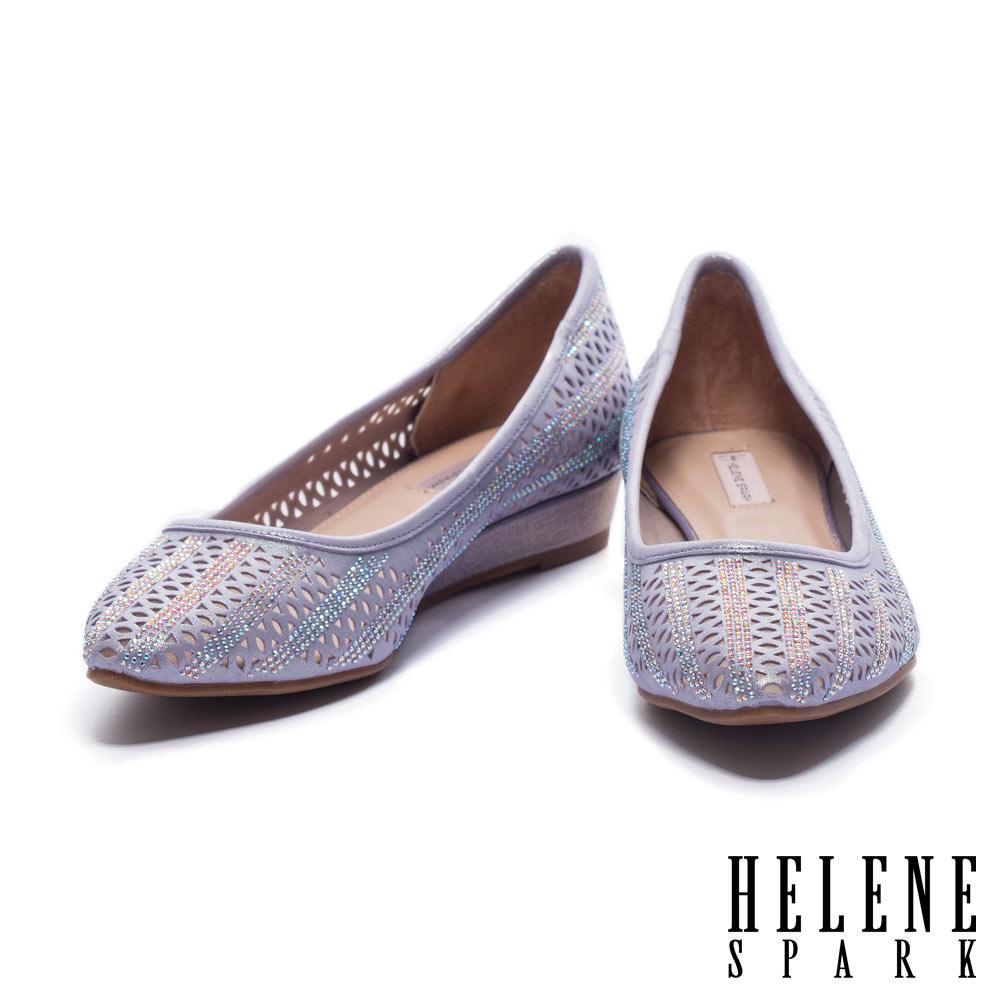 低跟鞋 HELENE SPARK 幾何鏤空排鑽設計羊麂皮尖頭楔型低跟鞋-紫