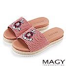 MAGY 率性休閒 船錨刺繡布面麻編鑽飾厚底拖鞋-紅色