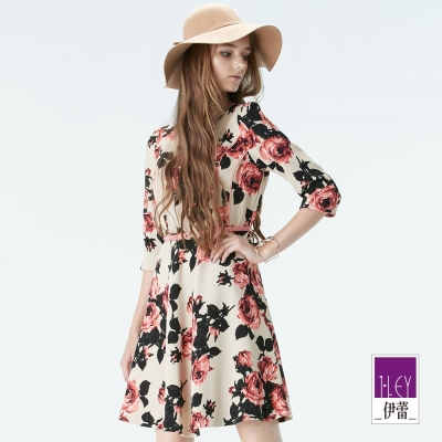 ILEY伊蕾-玫瑰花公主線剪裁腰帶洋裝-可