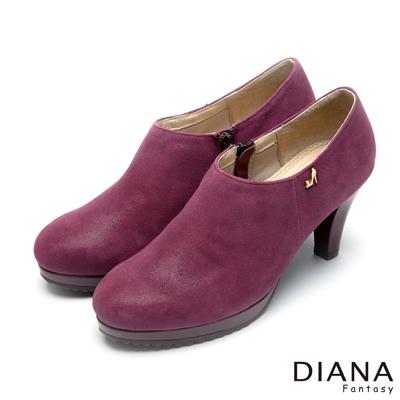 DIANA-漫步雲端厚切焦糖款-經典飾釦真皮跟鞋-酒紅