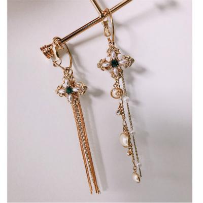 梨花HaNA 復古氣十字架流蘇長款不對稱珍珠耳針耳環 astar-速